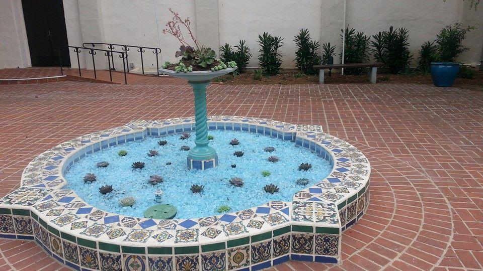 Fountain blue glass 2